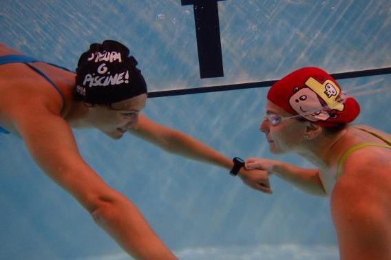Natation adultes femmes aquaphobie apprendre nager for Piscine clamart